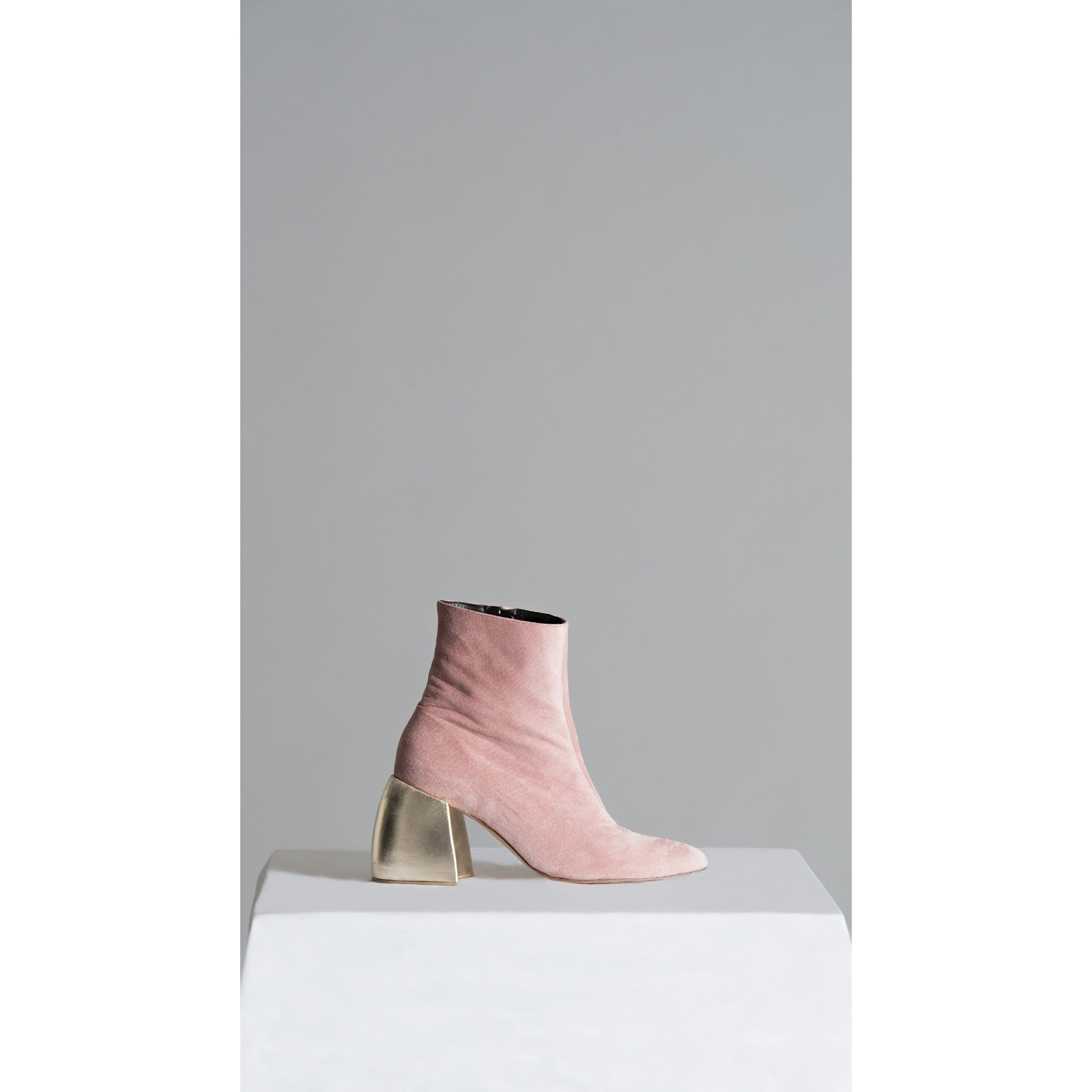 2d23b2e3c2d VINCENT LAPP Made to Order Pink Suede Ankle Boots with Wooden ...